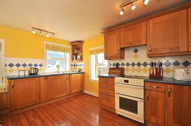 Lot 2 - Kitchen