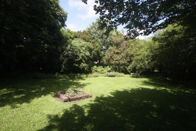 nott garden.jpg