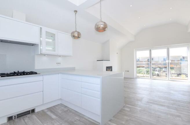 kitchen-towards balc