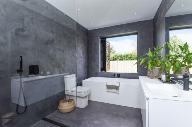 bathroom to master b