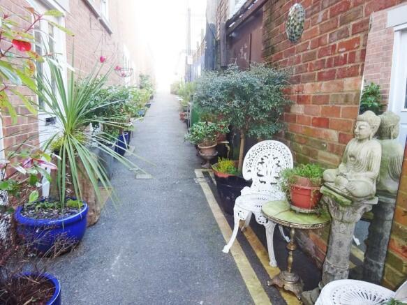 Resident's Lane