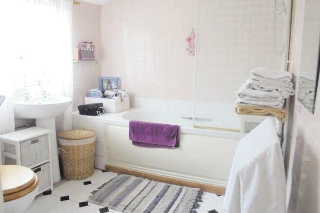 Bathroom - Cot...