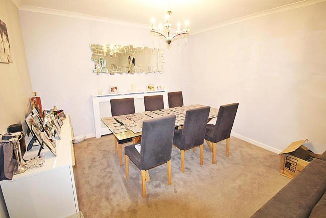 1 Lowther close dining.JPG