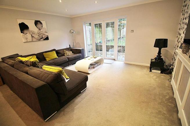 1 Lowther close living.JPG