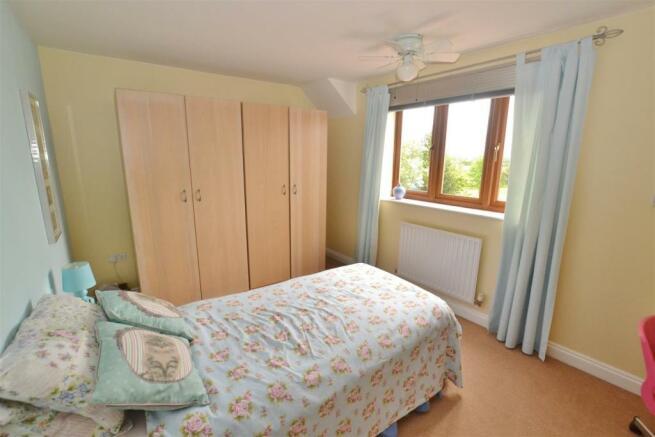 P B Bedroom.JPG