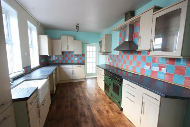 104 Henver Road Kitchen.JPG