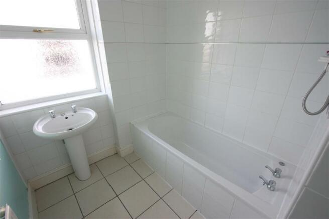 104 Henver Road Bathroom.JPG