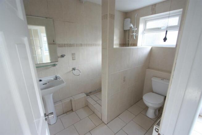 104 Henver Road Shower Room.JPG