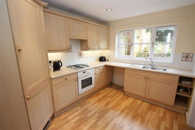 100 Penmere Drive Kitchen