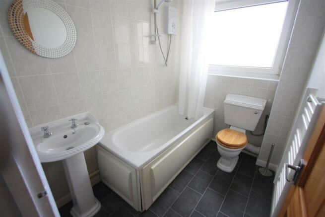 20 Bosworgey Close Bathroom