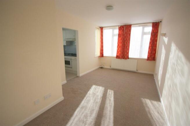 1 Dandre Apartments Lounge