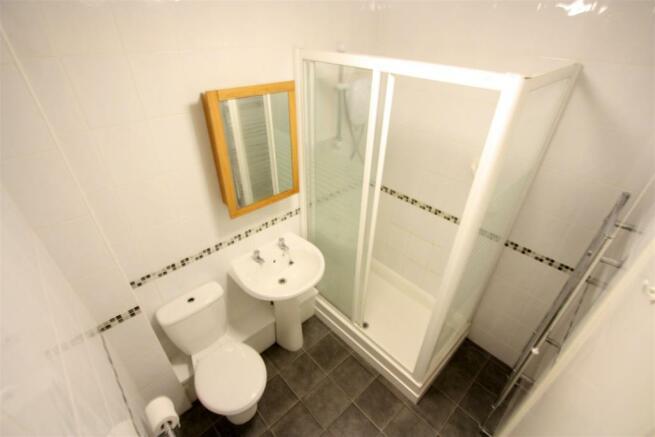 87 Polwhele Road Shower Room
