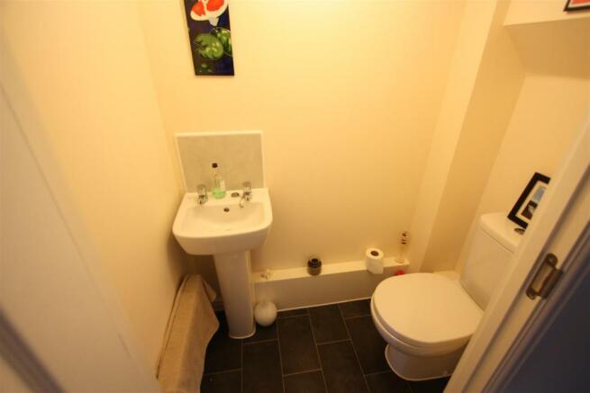 25 Hyns An Vownder WC