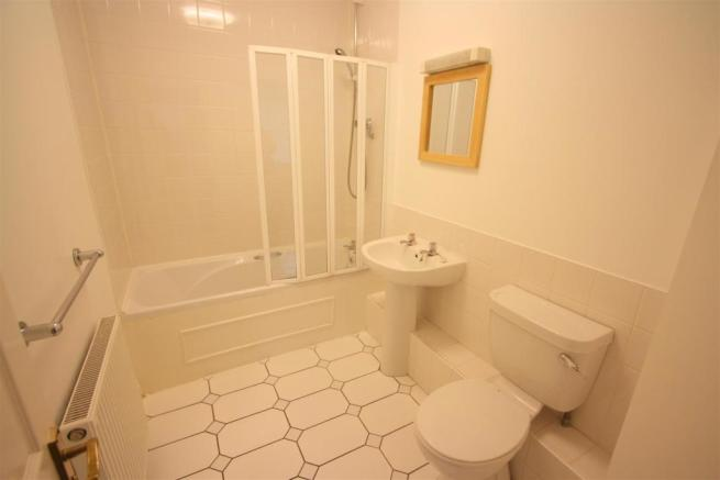17 Harvest Moon Apartments En Suite 2