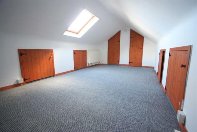 10 Cross Close Loft Room