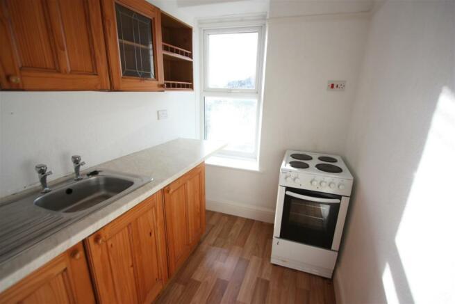 Flat 2, 7 Penhallow Road - Kitchen