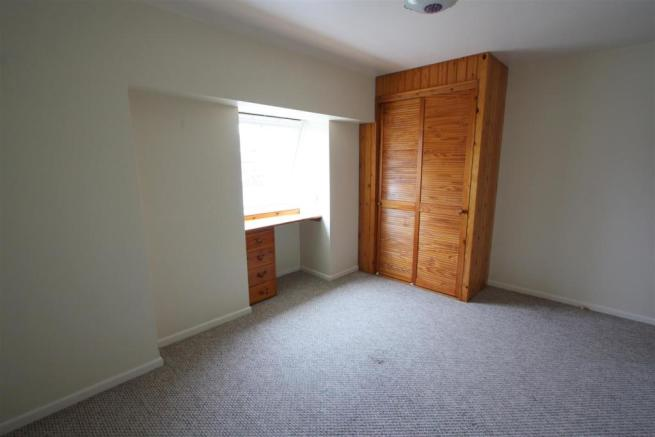 Flat 3, 56 Fore Street Bedroom 1
