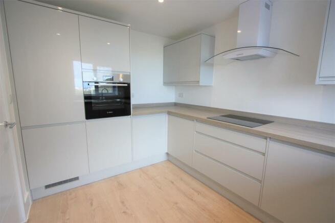 2 Trencreek Heights Kitchen