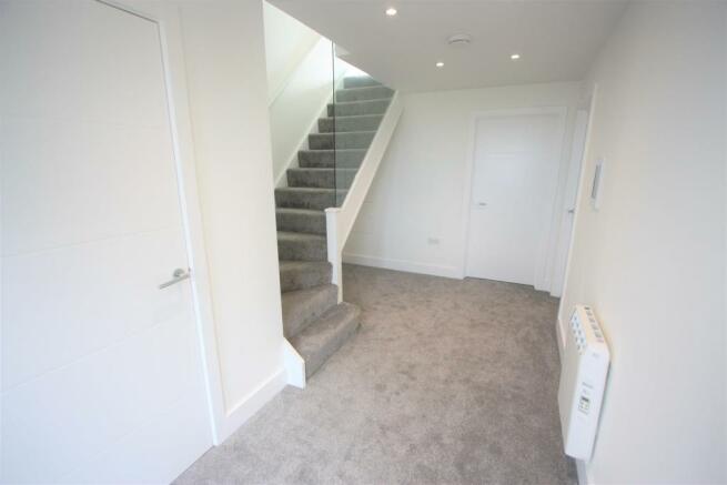 2 Trencreek Heights Hallway