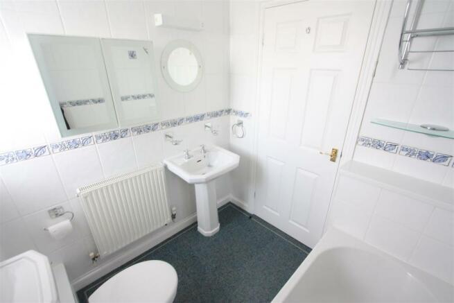 6 Smithfield Court Bathroom
