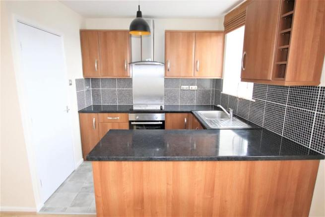 8 Trelawney Apartments Kitchen