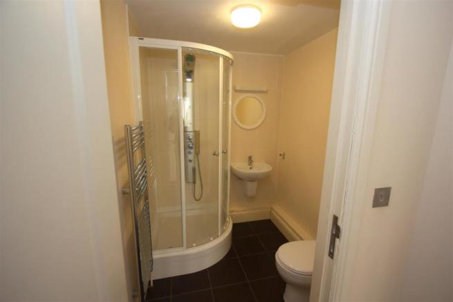 7 Longshore Apartments En Suite Shower