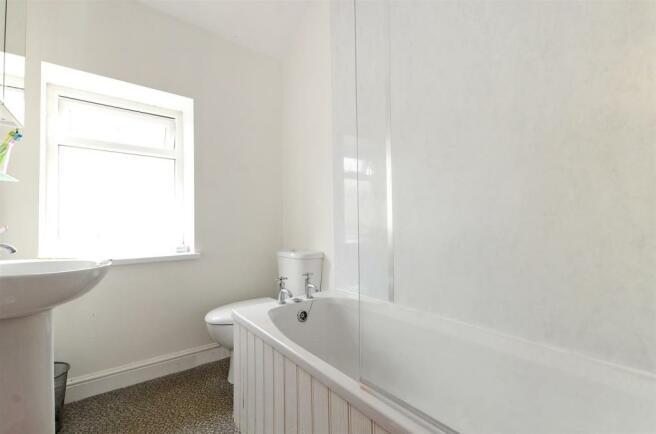 165 Whitham Bathroom.jpg