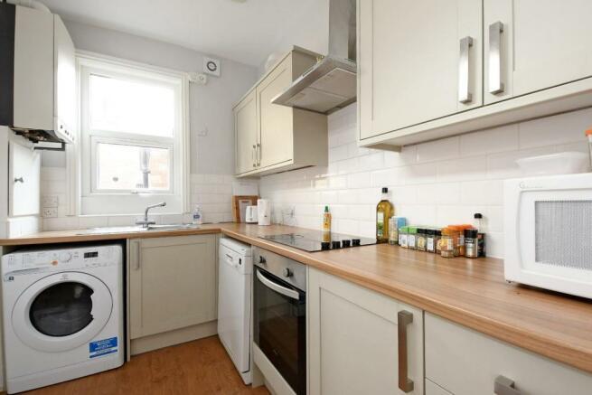 3 Beehive Road, kitchen.jpg