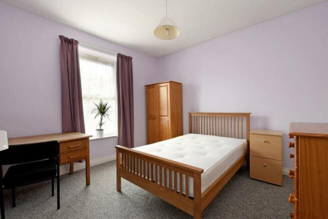 3 Beehive Road, bedroom 2.jpg