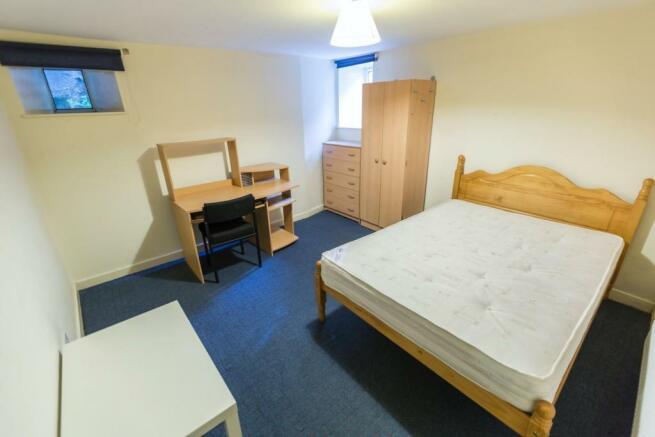 16-Watson-Road-Room 1.jpg