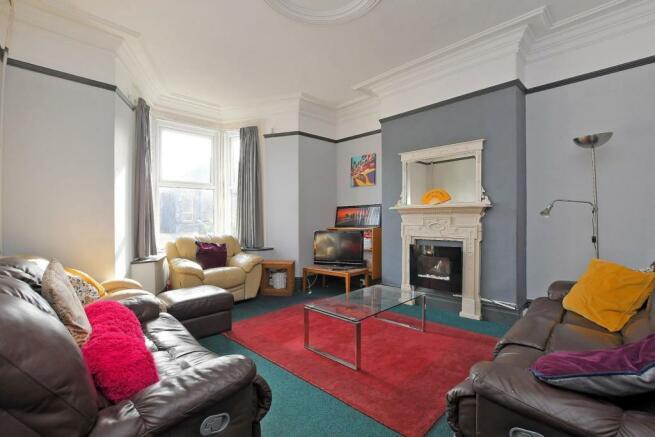 72 Harcourt Road - living room.jpg