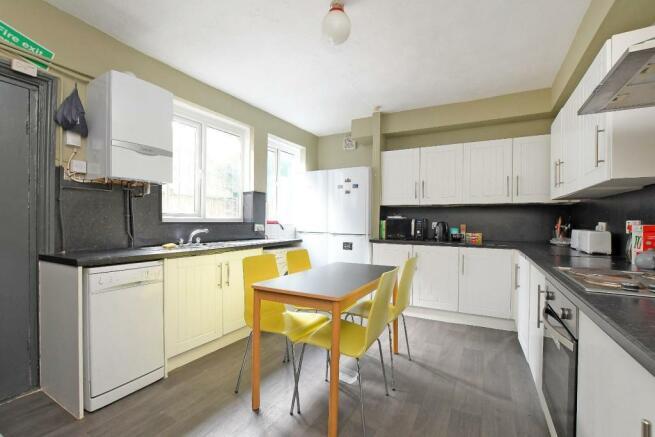 72 Harcourt Road - kitchen.jpg