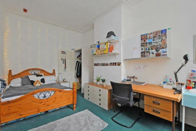 72 Harcourt Road - bedroom 3.jpg