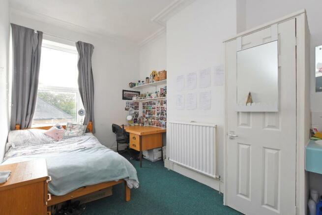 72 Harcourt Road - bedroom 4.jpg