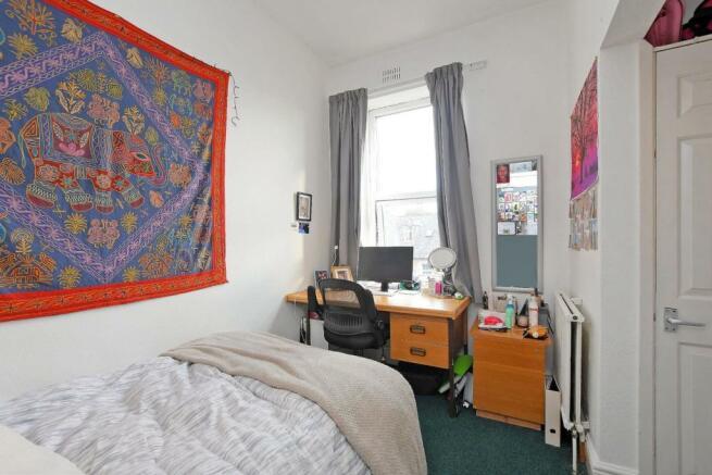 72 Harcourt Road - bedroom 5.jpg
