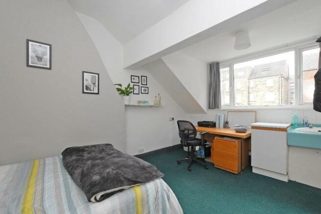 72 Harcourt Road - bedroom 6, picture 2.jpg