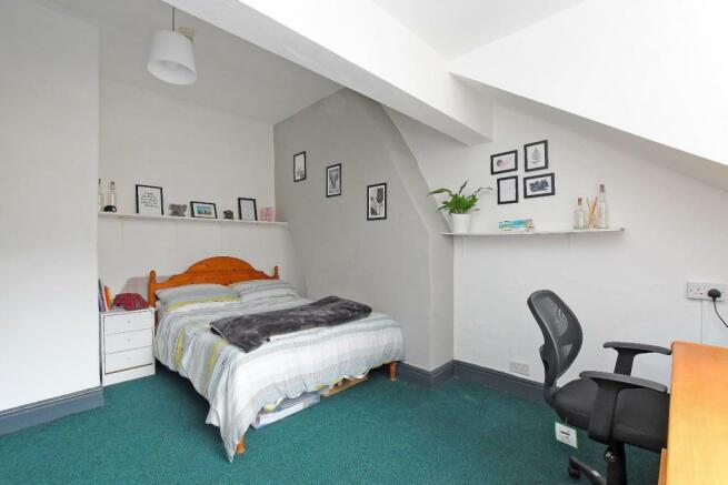 72 Harcourt Road - bedroom 6.jpg
