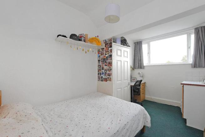 72 Harcourt Road - bedroom 7.jpg