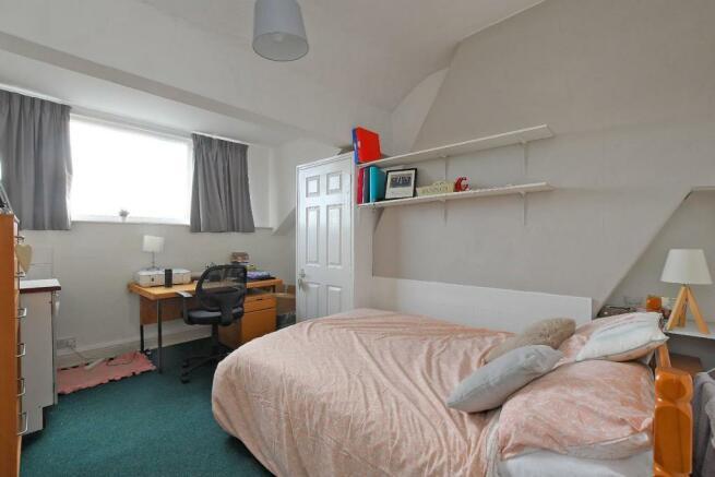 72 Harcourt Road - bedroom 8.jpg
