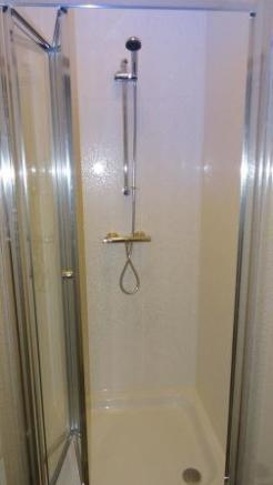 27 Spring Hill Road shower room.JPG