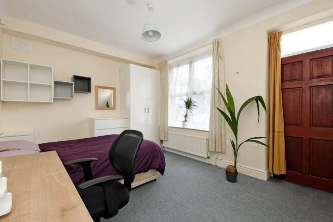 9 Cobden Place, bedroom 1.jpg