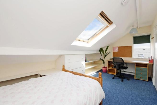 9 Cobden Place, bedroom 5 pic 2.jpg