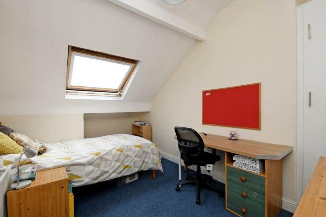 9 Cobden Place, bedroom 6 pic 1.jpg