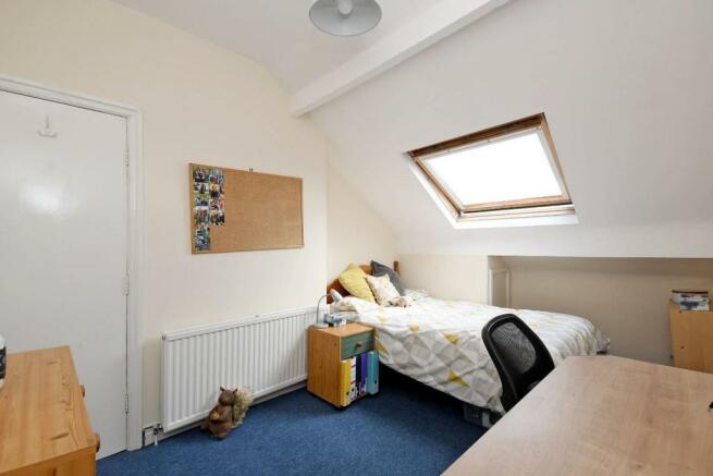 9 Cobden Place, bedroom 6 pic 2.jpg