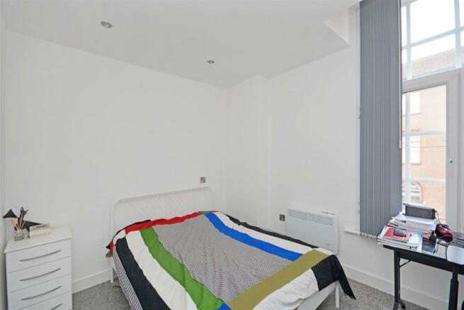 Bedroom 5 (2).jpg