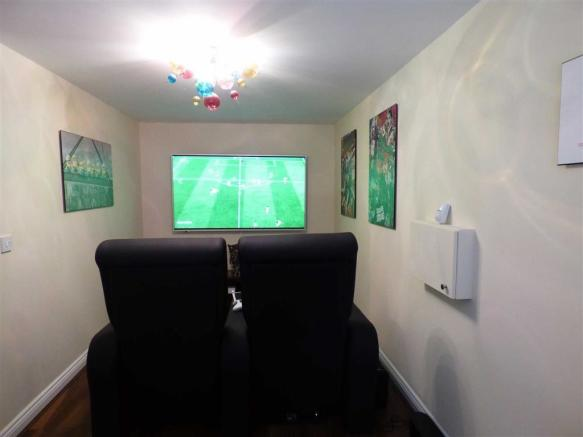 Cinema room / Sitting room