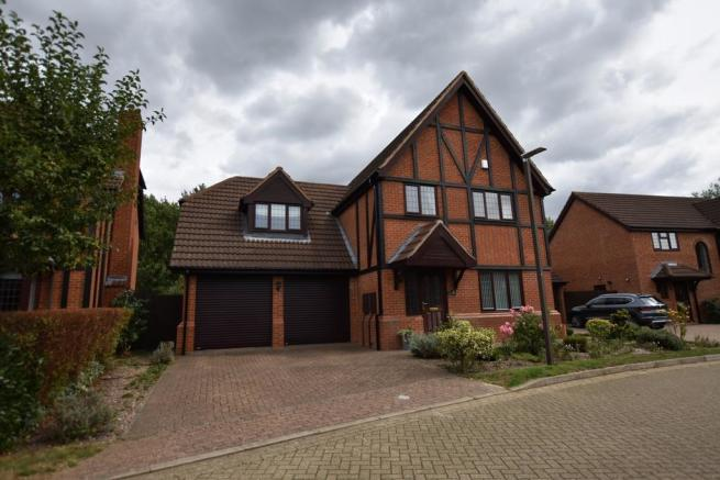 5 bedroom detached house for sale in berrystead, caldecotte, milton keynes, mk7