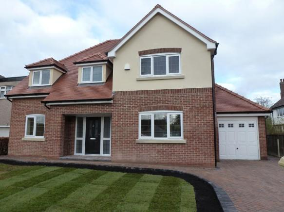 4 Bedroom Detached House For Sale In 2a Beech Grove, Leigh