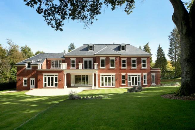 5 Bedroom Detached House For Sale In Titlarks Hill