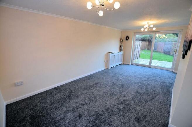 Living-dining room 3
